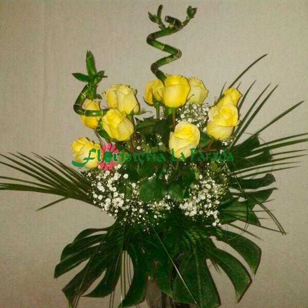 Ramo Diseño 12  Rosas Amarillas