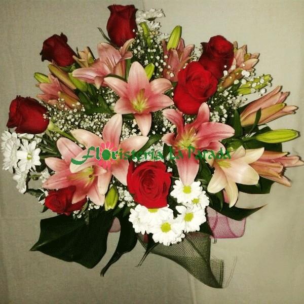 Ramo Variado con Rosas