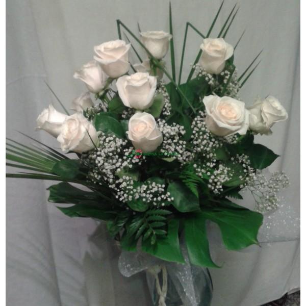 ramo de12 rosas blancas