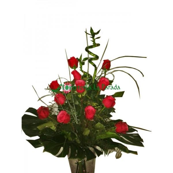 12 Rosas Rojas Con Jarron